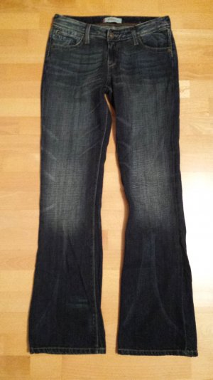Levi's 572 Boot Cut in dunkelblau, Größe 29 x 34 NEU