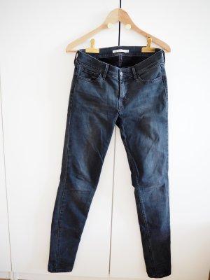 Levi's 710 SUPER SKINNY Jeans // Größe 28