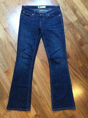 Levi's Demi Curve in 5M - 28/32 - Bootcut Jeans