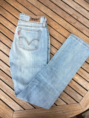 Levi's Jeans 571 Slim fit Gr. 26/32 helle Waschung