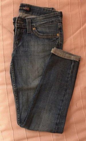 Levi's Jeans gekrempelt
