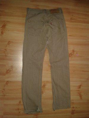 Levi's Jeans in beige. Hosenbeine sind win bisschen aufgeschnitten.