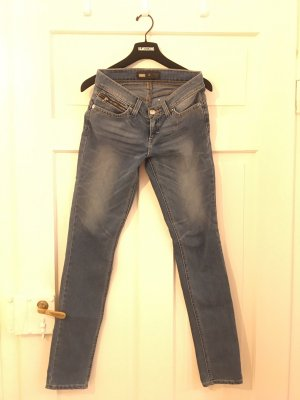 Levi's Lady's Jeans - 28 (Small)