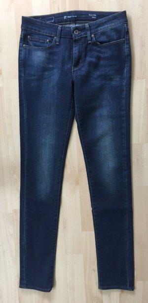 Levi's, skinny Jeans, dunkelblauer Denim mit leichtem Tint, Größe 27