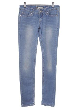 Levi's Skinny Jeans kornblumenblau-himmelblau Street-Fashion-Look