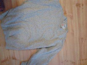 Levi's Sweatshirt in grau. in Größe M. passt gut zur Jeans.