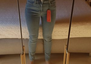 Levis 310 super shaping skinny