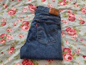 Levi's Jeans a sigaretta blu