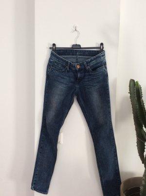 Levis Demi. Curve Jeans