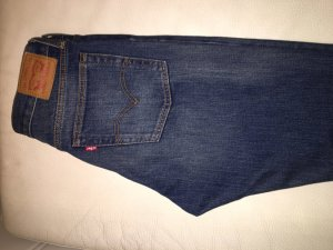 Levis high waist jeans in size 29