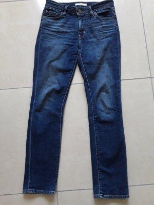 Levis Jeans 712 .. 26/30