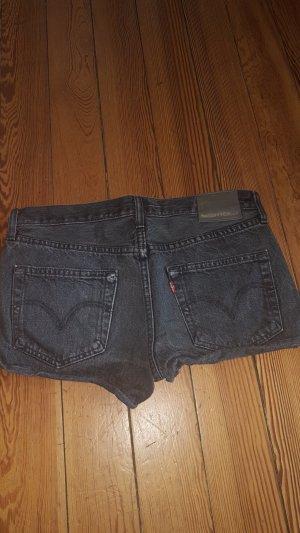 Levis Jeans Shorts schwarz Gr. 27 passt 36