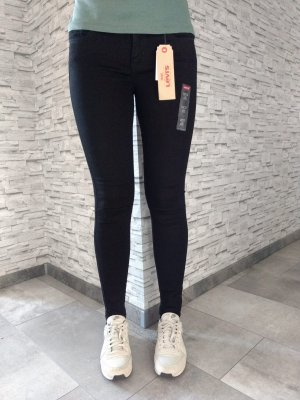 Levis super skinny 710