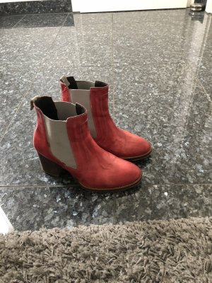 Liebeskind Booties raspberry-red