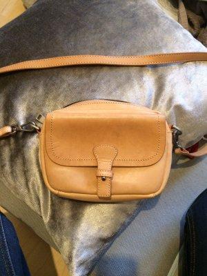 Liebeskind: helle Crossbody-Bag aus Leder (apricot-nude)