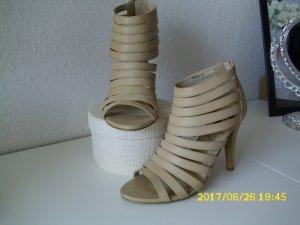 Sandalen met bandjes beige
