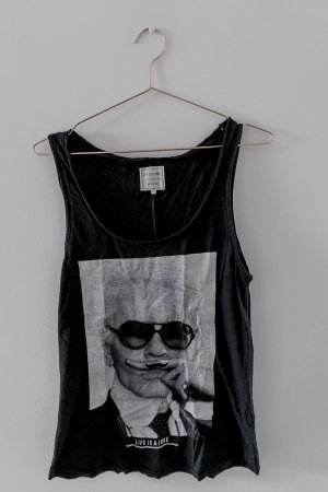 Life is a Joke / Karl Lagerfeld / Top schwarz / Eleven Paris / Gr.S