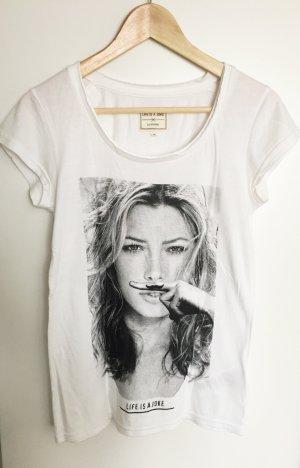 Life Is A Joke-Tshirt mit Jessica Biel