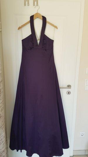Lila Abendkleid mit schönem Rückenausschnitt
