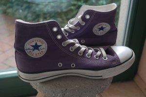 Lila Converse Chucks