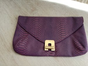 .lila crocoo Clutch.