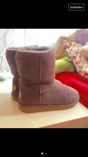 lila farbene ugg boots