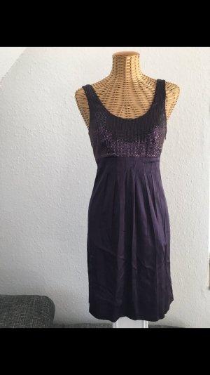 Lila Kleid aus Seide von Hallhuber