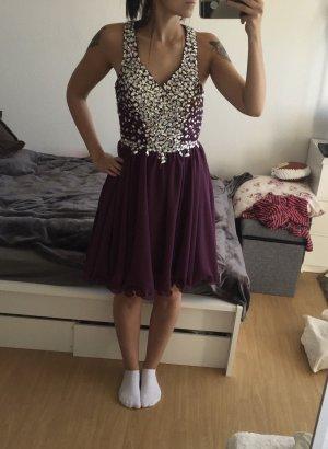 Lila Kleid mit Pailletten