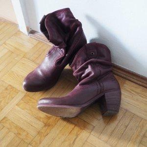 Lila Lederstiefel mit kurzem, weitem Schaft