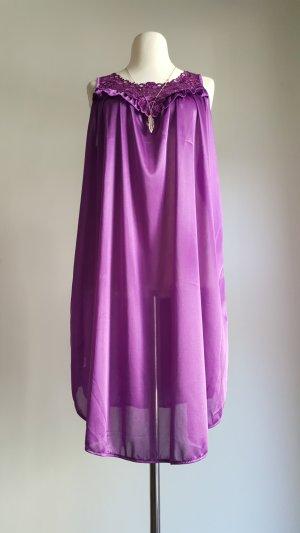 Lila Nachtkleidchen