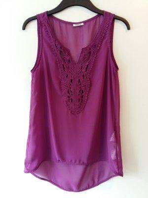 lila Shirt von Only.