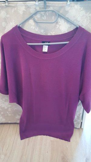 Lila T-Shirt mit Fledermausärmeln