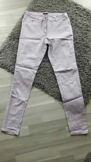 lilafarbene Röhrenhose von H&m