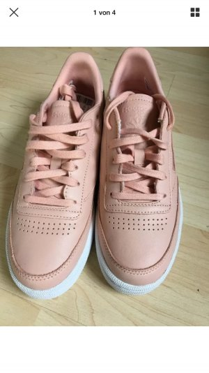 Limited Edition - Reebok Classic in Größe 38 in der Farbe Nude Rosa