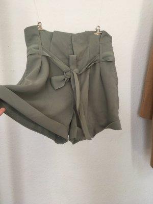 Lindgrüne Chiffon Shorts / Hosenrock