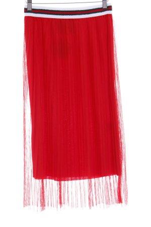 Lindsay Moda Midirock rot Street-Fashion-Look