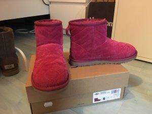 Linke Ugg boots mit Steppmuster 36