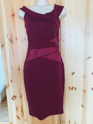 Lipsy Figurbetontes Kleid mit Carmenausschnitt und Satin-Einsatz