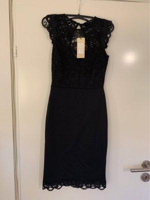 Lipsy London Kleid mit Spitzendetails