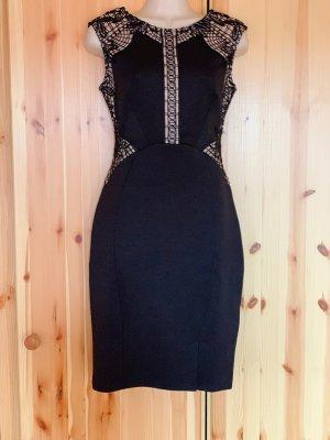 Lipsy Schwarzes Figurbetontes Kleid mit Netzstoff-Spitzeneinsatz
