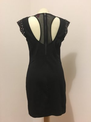 Little Black Dress mit Nietendetails