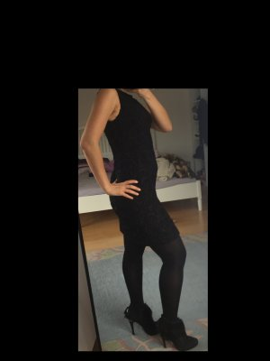Little black dress/Schwarz Kleid