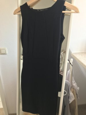 Little Black Dress von Zara Trafaluc
