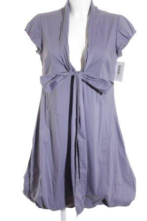 Liviana Conti vestido de globo violeta grisáceo elegante