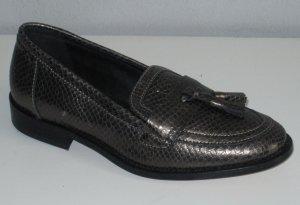 Loafer aus softem Rind-Nappaleder. Braun mit Snake-Prägung mit Metallic-Effekt