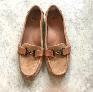 Loafers von UGG in Beige