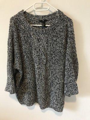Locker geschnittener Rundkragen Pullover von H&M in Größe S in weiß schwarz
