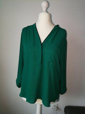 Locker Leichte Bluse in einem schönen Grün von der Marke H&M in der Gr 44