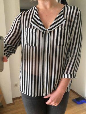 Lockere Bluse, leicht transparent
