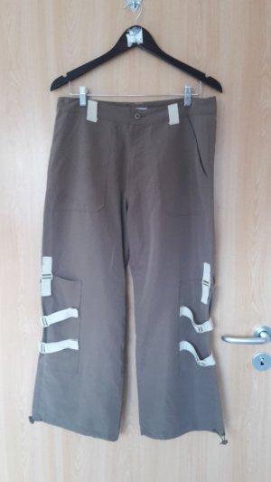 Lockere Hose aus dünnem Stoff